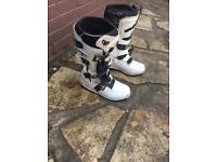 Wulfsport boots