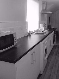 Modern 2-Bed Apt, Gnd & 1st Floor, Central Location, 3 mins Walk to Train Station, Parking Available