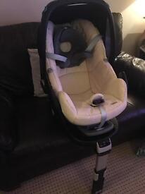 Maxi cosi car seat and isofix