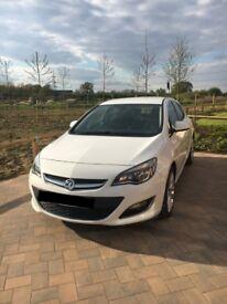 Vauxhall Astra SRI, 2.0 CDTI, White, 2012