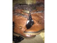 Ugg boots size4