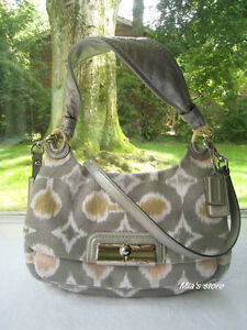 AUTH Coach Purse KRISTIN Op Art Signature IKAT HOBO Shoulder Hippie Bag 17083