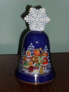 1987-Blue-AVON-CHRISTMAS-BELL-Blue-Snowflake-Carolers