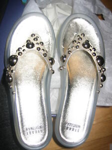 NEW!! Stuart Weitzman Decorative Ornament Sandals-Size 7