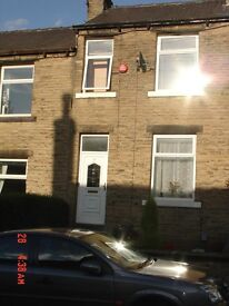 L@@K Superb 2 Bedroom Mid-Terraced Property To Let in Newsome Area of Huddersfield 4