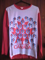 Rare 1976 TEAM CANADA TEAM PHOTO T-Shirt!!