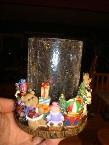 Hurricane Candleholder - Crackled Glass&Christmas Polyresin Base Kitchener / Waterloo Kitchener Area image 4