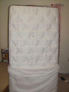 SIMMONS Beautyrest Plush Twin size mattress