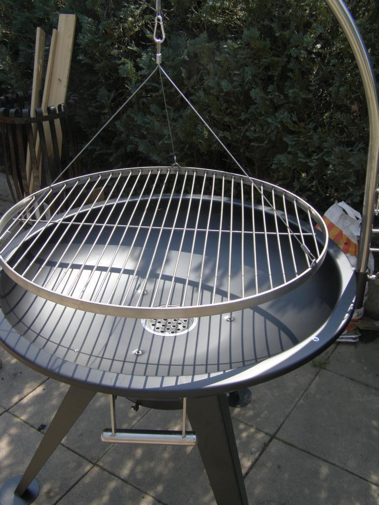 xxl bbq schwenkgrill grill edelstahl feuerschale 80 cm grillrost 70 cm rost eur 119 90. Black Bedroom Furniture Sets. Home Design Ideas