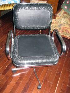 Chaise de Bureau Vintage en Cuir et en Chrome West Island Greater Montréal image 4