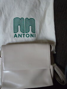 NN Antoni Leather Handbag from Barcelona North Shore Greater Vancouver Area image 1