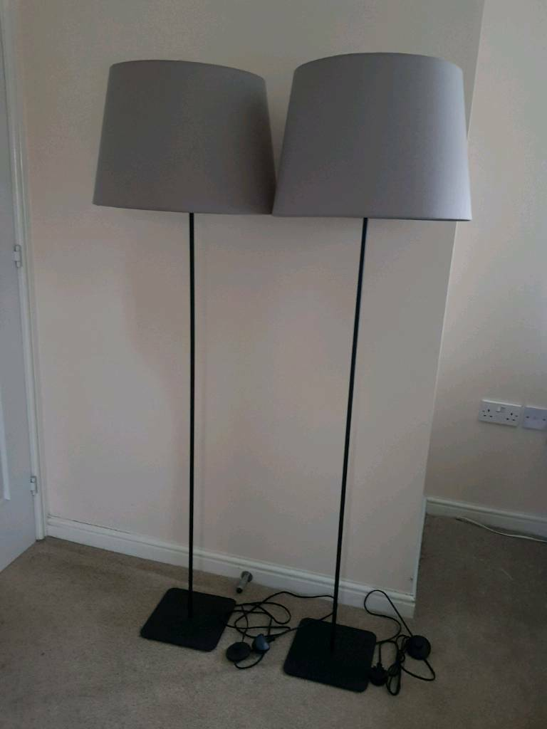 Set of 2 floor lamps