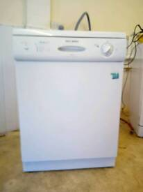 Dishwasher full size excellent condition