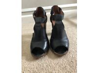 OFFICE Heels Black Leather - Size 7/40