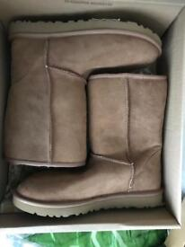 Genuine UK 7 Tan UGG boots Bargain Price
