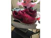 **NIKE AIR MAX WOMENS/GIRLS PINK TRAINERS**