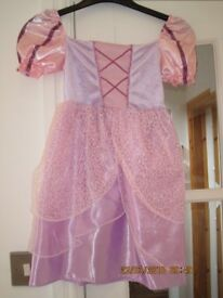 BEAUTIFUL DRESSING UP DRESS for age 3-5 years DISNEY RAPUNZEL - IMMACULATE CONDITION with headress!