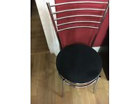 DINING TABLE & x4 CHAIRS. EXCELLENT CONDITION