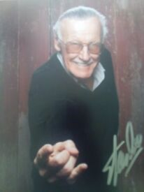 Stan Lee Signed Picture of himself