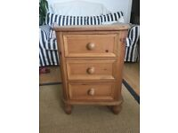 Solid wooden 3 drawer bedside table