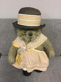 Rare Aunt Lucy Bear by Gabrielle Designs 1978 70s retro vintage toy Paddington Bear SDHC
