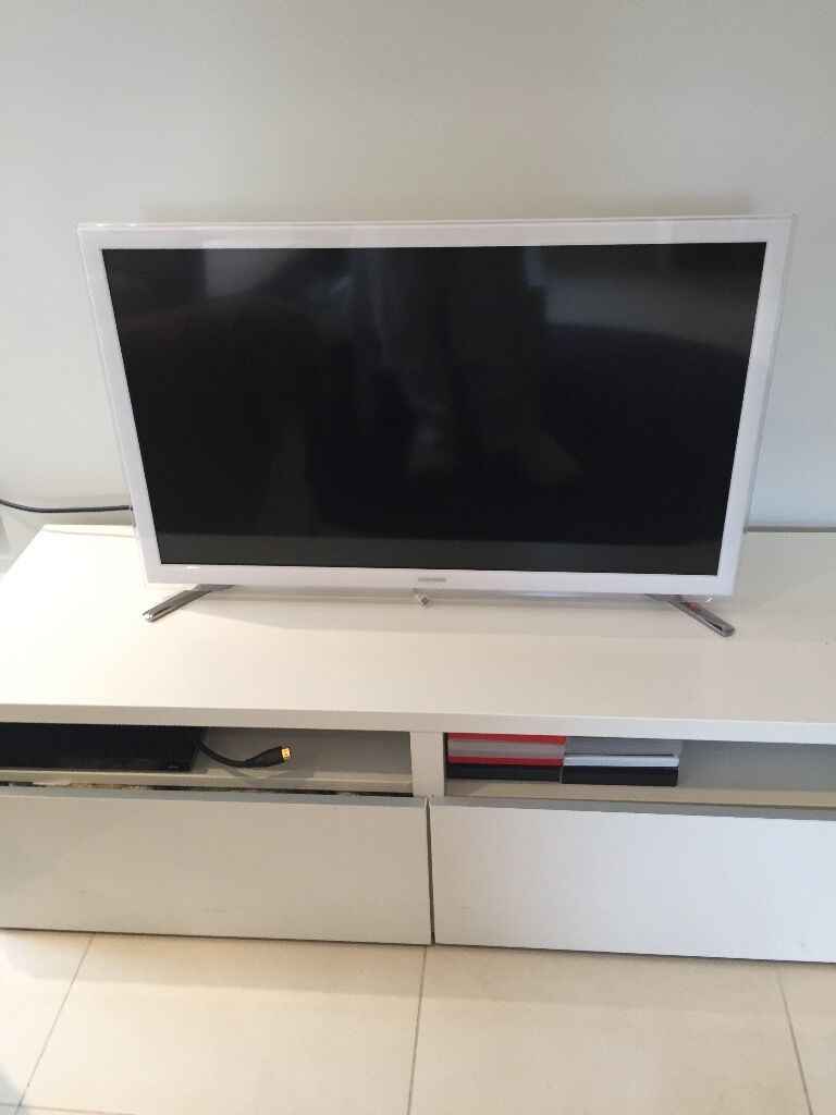 samsung white led smart tv in west end london gumtree. Black Bedroom Furniture Sets. Home Design Ideas