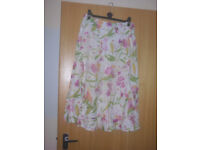"""Per Una Floral skirt, Flared. Size 12. Length 31.1/2"""" Cotton"""