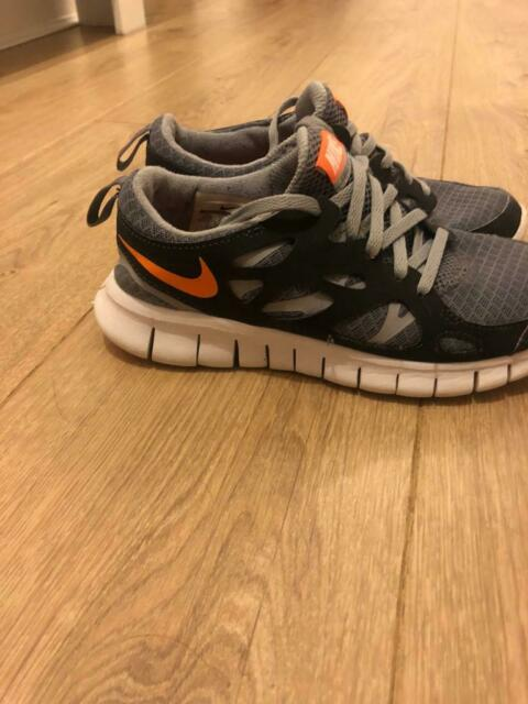 db252a87d70fe NIKE free run running trainers size 4