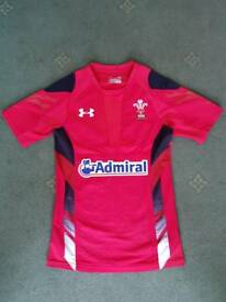 Welsh Rubgy Jersey Shirt Mens Small