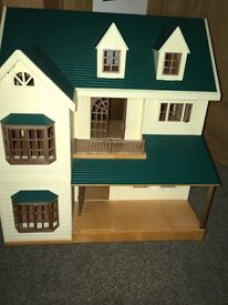 Sylvanian family house and hospital plus accessories