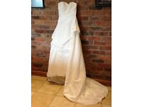 *Wedding Dress* (Never Worn) Size 8-12