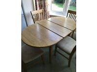 Pine kitchen extendable table and 4 chairs