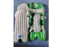 Cricket - Batting Pads: Mens Gunn & Moore