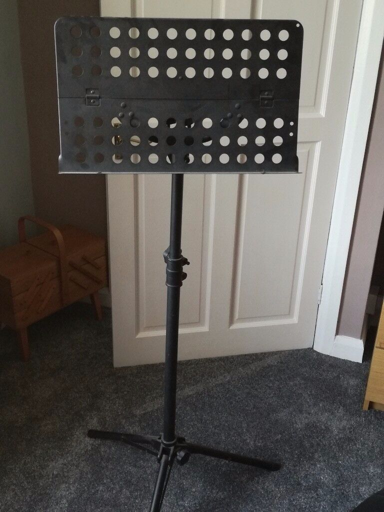Fully adjustable music stand