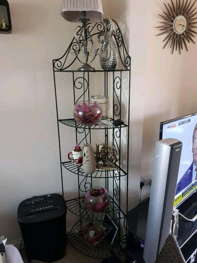 Metal display unit