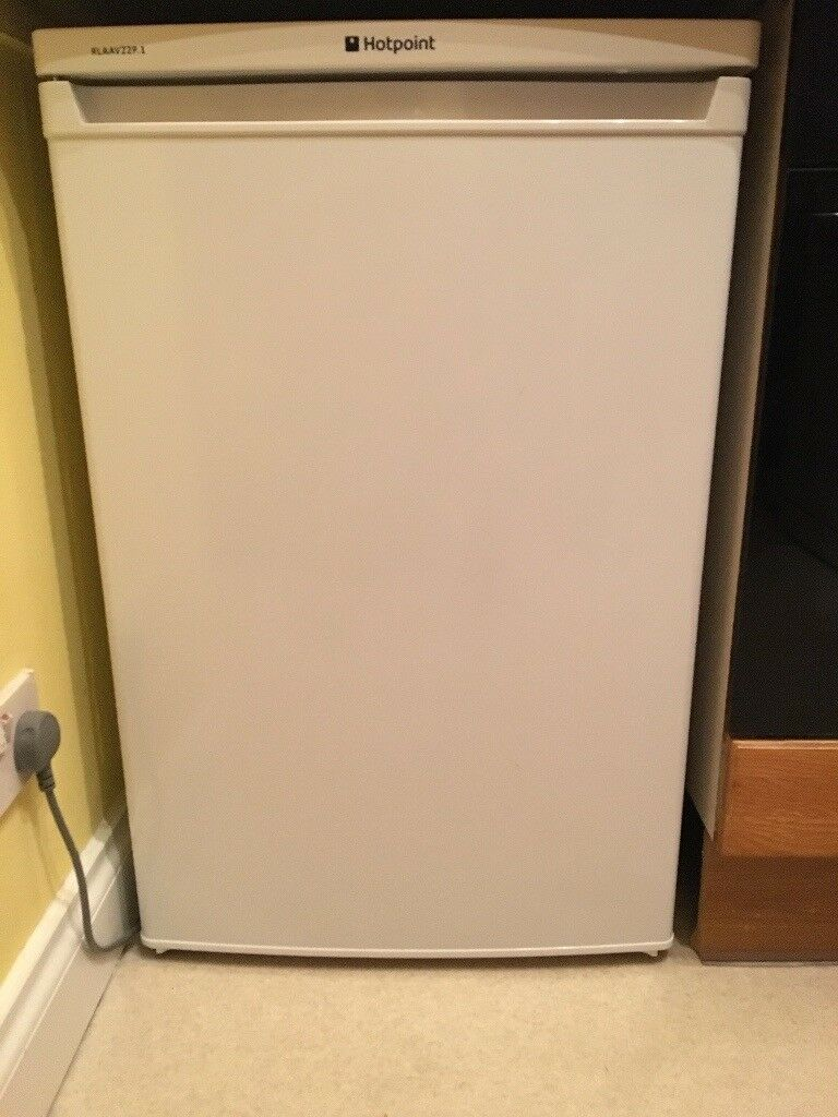 Hotpoint RLAAUZZP Under Counter Fridge