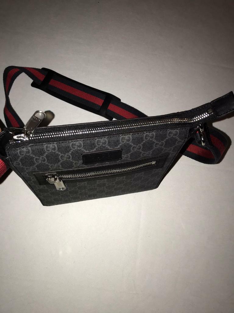 Gucci messenger bag supreme  6a78cf6f7d442
