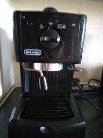 DELONGI EXPRESSO COFFEE MACHINE