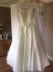 Size 18 wedding dress by house of Nicholas
