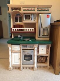 Children's interactive toy kitchen plus lots of extras excellent condition