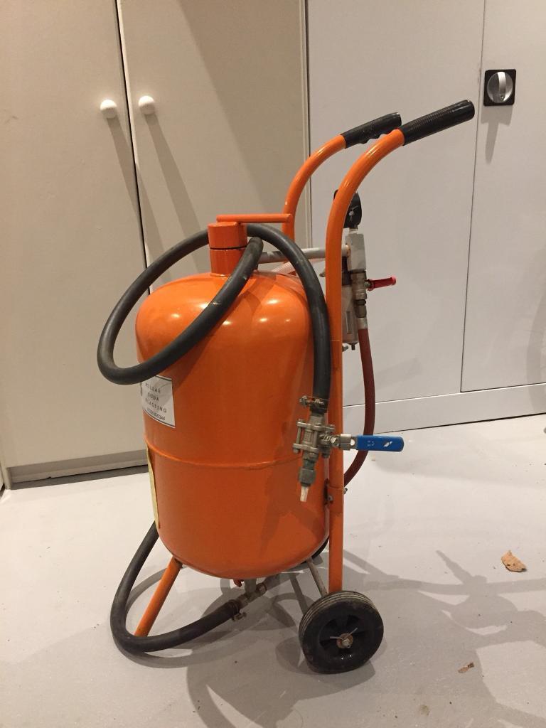 Millar Soda Blaster Soda/hard media/grit blaster | in Thames Ditton, Surrey  | Gumtree