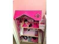 Wooden dolls house (Kidkraft)