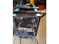 Clarke Mig155T Turbo welder with large CO2 gas cylinder and regulator
