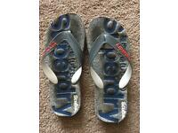 Men's Superdry flip flops - size small