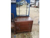 OAK DRESSING TABLE WITH TRIPLE MIRRORS. RESTORATION OR SHABBY CHIC