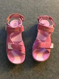 Brand new ladies/girls size 6 Timberland sandals