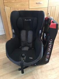 Maxi-Cosi Axis's car seat