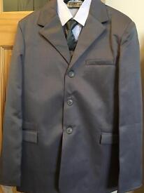 Boys grey 5 piece suit, formal, wedding, Brand New, age 15