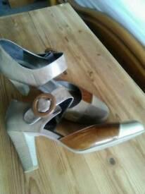 Shoes - size 7