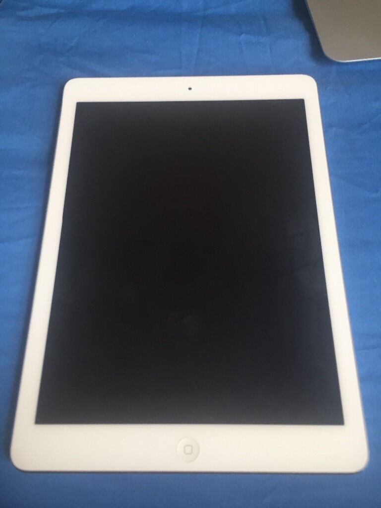 iPad Air 32gb Good Conditionin DundeeGumtree - iPad Air 32gb good condition comes with charger and box. All works fine, never had an issue with it. Any questions just ask! A leather case can be included